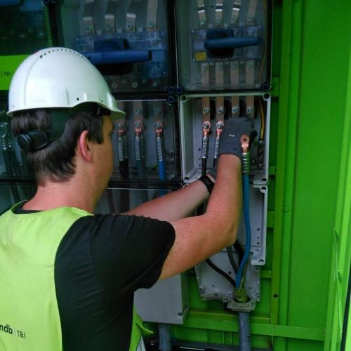 Bouwplaatsinrichting, bouwplaatsvoorzieningen, nuts, stroom, water, gas, aansluiten, monteur